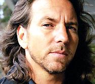 Вокалист Pearl Jam спел для ветеранов Ирака